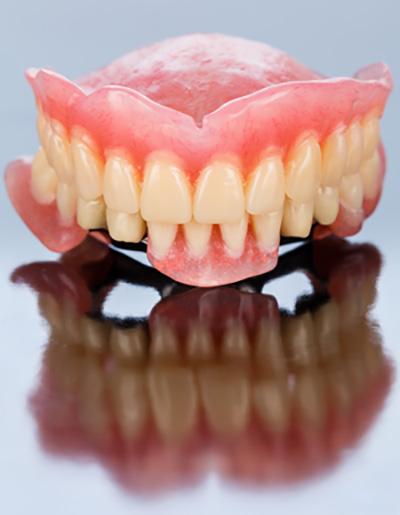 totalna-proteza-za-zube
